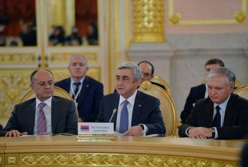 Армения: повестку диктуют конституционная реформа ирегиональные конфликты - «транспорт»