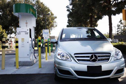 Автокомпании переключились на новый элемент
