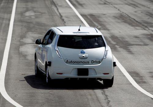Автомобили с автопилотами не распространяются из-за пдд и страховщиков