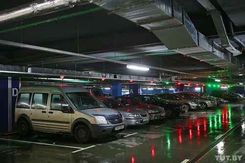 Белорусы будут декларировать свои машино-места