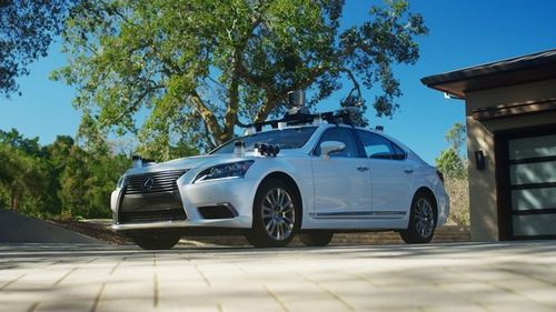 Беспилотник toyota на базе lexus ls сам обучается и взаимодействует с другими автомобилями