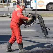 Брестским властям рекомендовано ужесточить контроль за качеством ремонта дорог