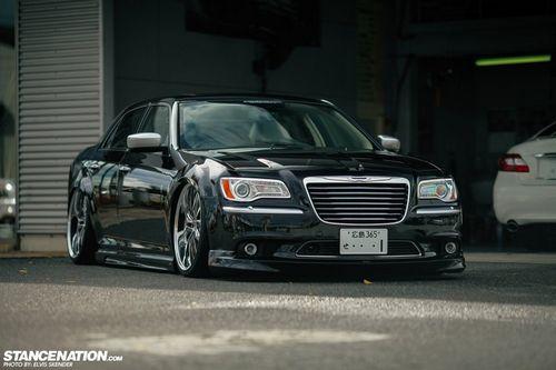 Chrysler 300c vip style от японского ателье aimgain