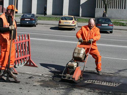 До наступления холодов в столице отремонтируют еще 5 улиц и путепровод