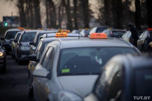 Если в такси не выдали чек, за поездку можно не платить — теперь эту норму пропишут и в законе