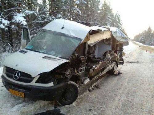Гаи: бульдозер, за который зацепилась маршрутка в ушачском районе, перевозился с нарушениями