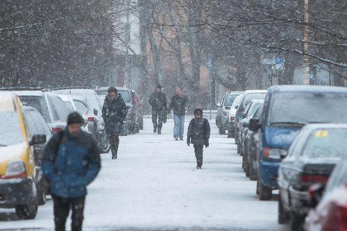 Гаи предупреждает о сложных погодных условиях на дорогах страны