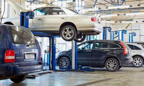 Грязные и «серые»: на чем автомобилисты экономят в кризис
