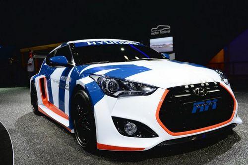 Hyundai представил среднемоторный хэтчбек veloster rm
