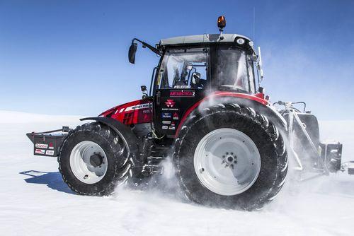 Южный полюс покорён голландкой на тракторе