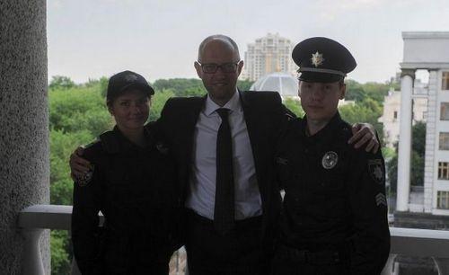 Кабмин утвердил новую форму полиции