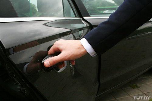 Клиенты uber недоумевают: деньги со счета списываются еще до поездки. комментарий компании
