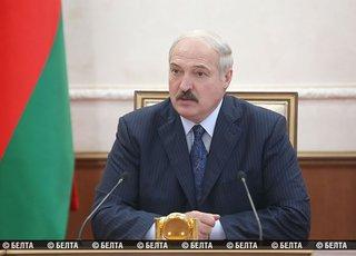 Лукашенко дважды подчеркнул, что повышения цен на бензин не будет