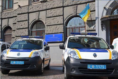 Милиция львовщины получила полицейские renault