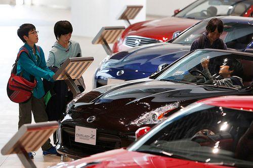 Nissan изобретает автосалоны