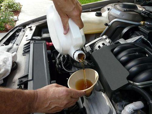 Основные причины чрезмерного расхода масла в двигателе