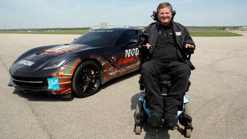 Парализованный гонщик будет участвовать в авто гонках
