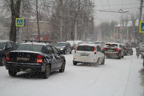 Первый крупный снегопад в севастополе привел к коллапсу