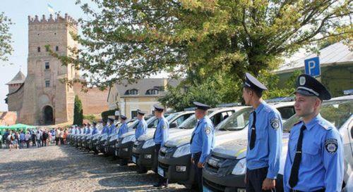 Полицейские волыни будут ездить на пикапах isuzu