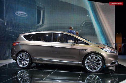 Спортивный минивэн ford s-max едет во франкфурт