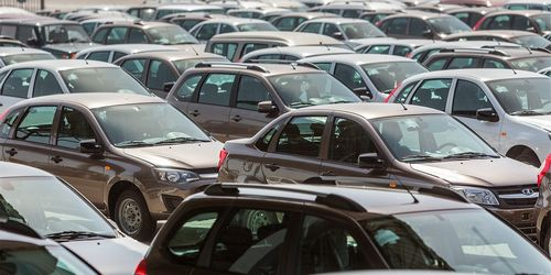 «Такого не было несколько лет». что происходит с продажами автомобилей (autonews.ru)