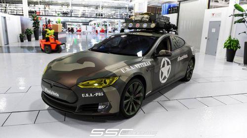 Tesla и ss customs представили эксклюзивный седан model s