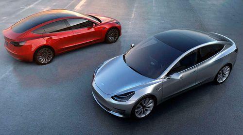 Tesla отзывает более 120 тысяч электромобилей для замены болтов