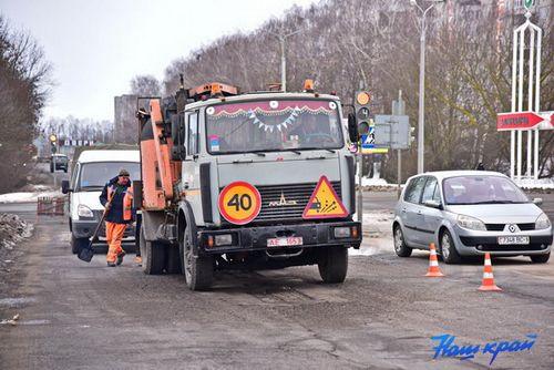 В барановичах идет ремонт автодороги р2