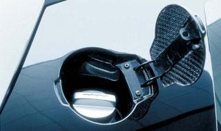 В беларуси выявлено около 100 случаев заправки личных авто сельхозтопливом