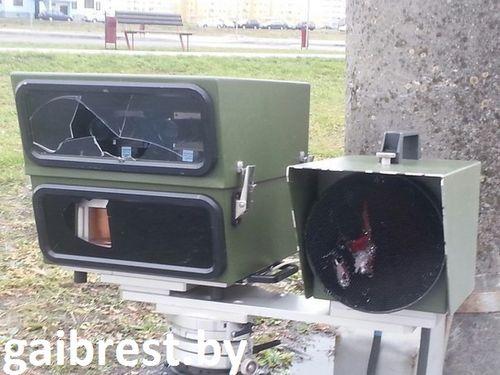 В бресте будут судить маршрутчика, который разбил камеру фотофиксации. ущерб - свыше 10 тысяч евро