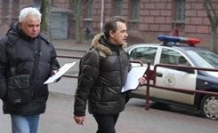 "В центре минска собирали подписи за отмену ""транспортного налога"": милиция наблюдала, но не мешала"