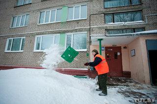 В минске будут тщательнее убирать снег на остановках, пешеходных переходах и возле магазинов