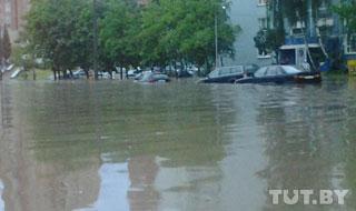 В минске сильный дождь подтопил 19 улиц