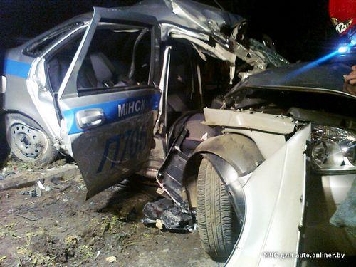 В минске водителя ford задерживали со стрельбой: в процессе погони он врезался в экипаж гаи и чуть не сбил инспектора