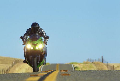 В россии предлагают повысить разрешенную скорость для мотоциклистов