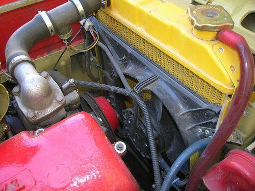 Вентилятор охлаждения двигателя автомобиля