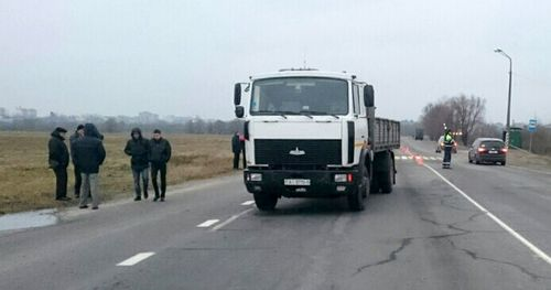 Водитель маза, сбивший маму и дочь в борисове, мог заметить пешеходов. расследование завершено