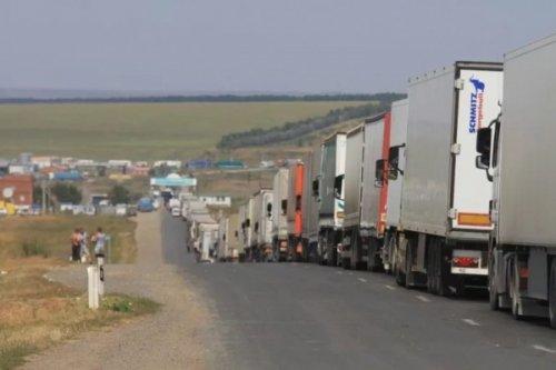 Водители фур заблокировали дорогу награнице россии иказахстана - «транспорт»