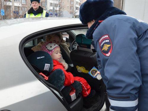За перевозку детей без кресла - штраф 3000 рублей